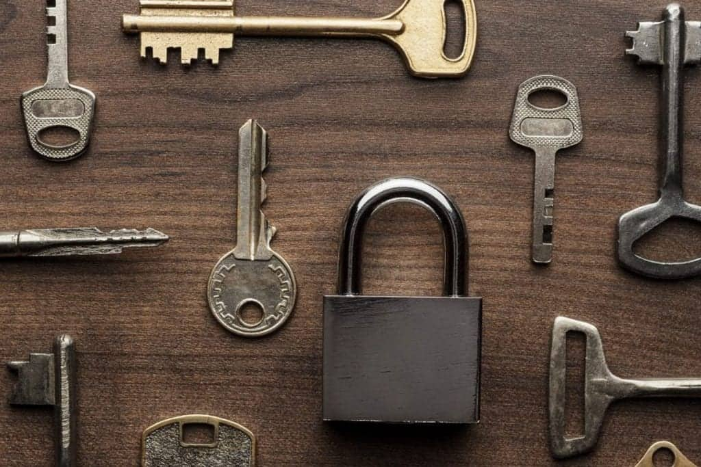 What type of keys can a locksmith duplicate? 2